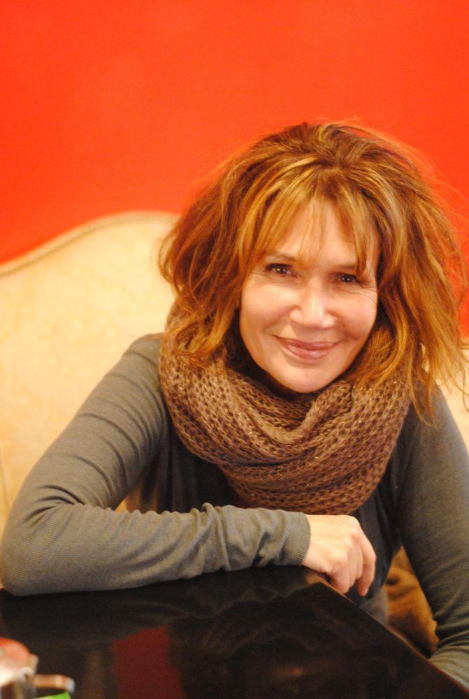 Clémentine Célarié monte et joue Dans la peau dun noir